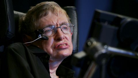 """""""Unfortunately, Eddie [Redmayne] did not inherit my good looks,"""" said Stephen Hawking of the actor who portrayed him in """"The Theory of Everything."""""""