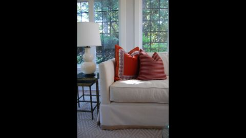 Swap out accessories to reflect the current trends: throw pillows, rugs and lamps can easily be updated to match your style.