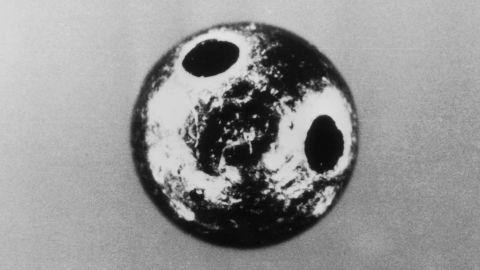 This tiny, ricin-tainted platinum ball killed Markov, who also was a broadcaster for the BBC.