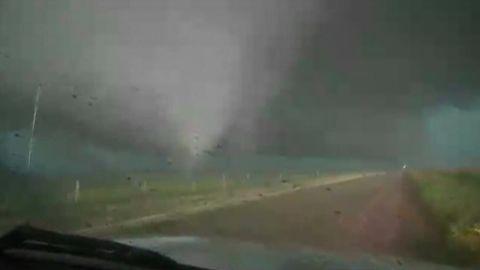 bts.ok.tornado.touchdown_00010524.jpg
