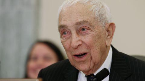 "Democratic <a href=""http://www.cnn.com/2013/06/03/politics/obit-lautenberg/index.html"">Sen. Frank Lautenberg</a> of New Jersey died June 3 of viral pneumonia, his office said. Lautenberg, 89, had been the Senate's last surviving veteran of World War II."