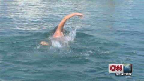 ctw intv swimmer abandons cuba florida swim_00000819.jpg