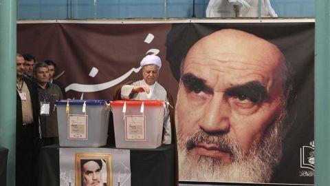 Former Iranian President Akbar Hashemi Rafsanjani votes in the Jamaran mosque in Tehran on June 14.