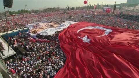 damon turkish prime minister erdogan rally_00010701.jpg