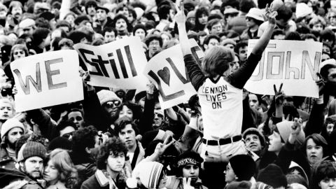 An estimated 100,000 people gathered in Central Park to honor Lennon on December 14, 1980.