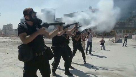 intl turkey protests turn violent ian lee pkg_00002803.jpg