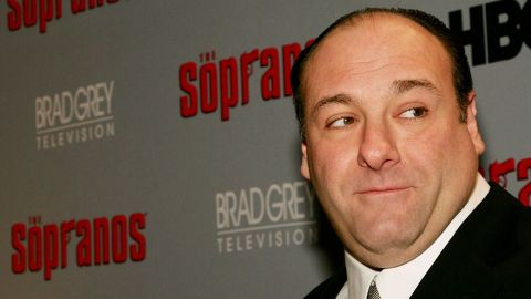 """NEW YORK - MARCH 07:  Actor James Gandolfini attends the sixth season premiere of the HBO series """"The Sopranos"""" at the Museum Of Modern Art, on March 7, 2006 in New York City.  (Photo by Evan Agostini/Getty Images)"""