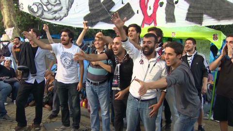 intl turkey football fans protest penhaul pkg_00003827.jpg