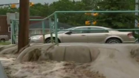 pkg canada calgary flooding wrap_00003710.jpg
