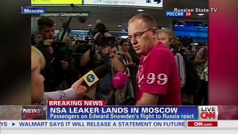 sots airport passengers react_00002001.jpg