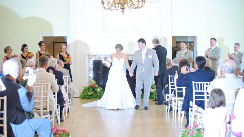 Couples choose unplugged weddings not just to ensure the quality of professional images. They also do it to keep guests engaged and focused on the ceremony itself.