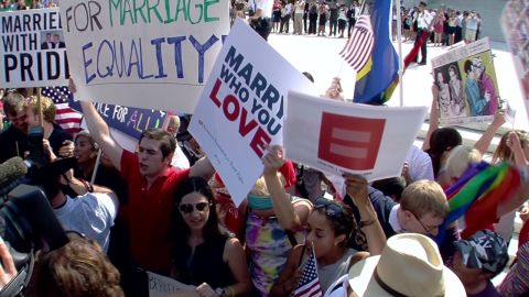 Lead fast evolution of support for gar marriage in U.S. _00000222.jpg