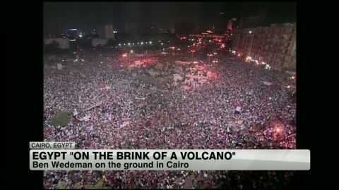 exp egypt.on.brink.amanpour_00062930.jpg