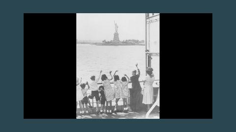 Refugee children from England arrive in New York Harbor in 1940.