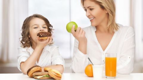 """Parents coach their kids to make healthier food choices, but it can be hard even for adults to find kids' meals that aren't hiding sodium, sugar and fat. The report """"Kids' Meals: Obesity on the Menu"""" by the Center for Science in the Public Interest found that 97% of the 3,500 kids' meal analyzed don't meet basic nutritional standards. Parents, click through the gallery to see the worst offenders and better options to consider."""