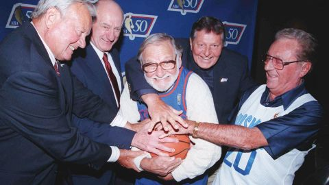 """Ossie Schectman, the former New York Knicks guard who scored the league's first basket, died Tuesday, July 30. He was 94. NBA Commissioner David Stern called Schectman a pioneer, """"Playing for the New York Knickerbockers in the 1946-47 season, Ossie scored the league's first basket, which placed him permanently in the annals of NBA history. On behalf of the entire NBA family, our condolences go out to Ossie's family."""""""