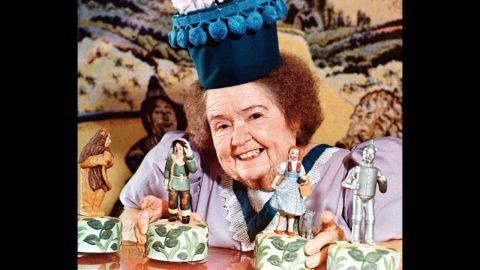 """<a href=""""http://www.cnn.com/2013/08/07/showbiz/ent-munchkin-margaret-pelligrini-dead/index.html"""">Margaret Pellegrini,</a> who played the flowerpot Munchkin and one of the sleepyhead kids in the classic film """"The Wizard of Oz,"""" died at her home in Phoenix on Wednesday, August 7 after suffering a stroke, according to Ted Bulthaup, spokesman for the Munchkins. She was 89. Pellegrini was one of the last surviving Munchkins from the 1939 film."""