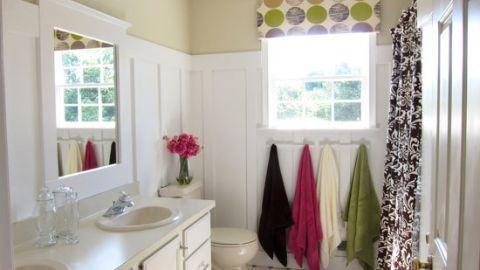 "<a href=""http://ireport.cnn.com/docs/DOC-1019735"">Diane Henkler's</a> $265 <a href=""http://inmyownstyle.com/2011/08/diy-home-improvement-how-i-updated-a-bathroom-on-a-budget.html"" target=""_blank"" target=""_blank"">bathroom makeover</a>."