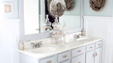 "<a href=""http://ireport.cnn.com/docs/DOC-1016103"">Kate Connor's</a> beachy <a href=""http://chiconashoestringdecorating.blogspot.com/2013/01/beachy-bathroom-reveal.html"" target=""_blank"" target=""_blank"">bathroom makeover</a>."