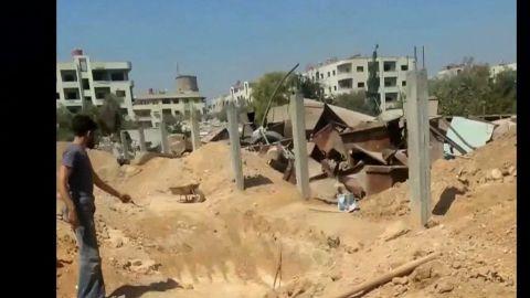 pkg pleitgen syria damascus suburbs_00000514.jpg