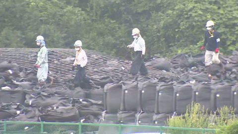 lklv hancocks japan fukushima cleanup_00011418.jpg