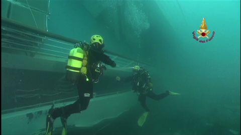 costa concordia underwater footage_00004808.jpg