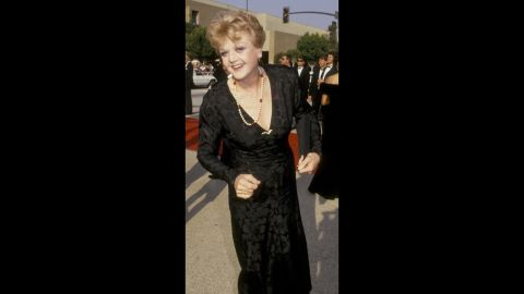 """""""Murder, She Wrote"""" star Angela Lansbury killed in a sleek black gown at the 1987 awards show."""