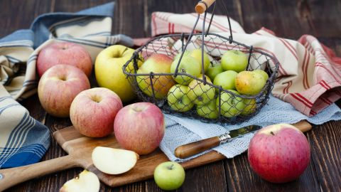<strong>Apples:</strong> Sweet or tart, apples are satisfying eaten raw or baked into a delicious dish. Just be sure to eat the skin; it contains heart-healthy flavonoids. <br /><br />Health benefits include<br />• Full of antioxidants<br /> • 4 grams of dietary fiber per serving<br /><br />Harvest season: August to November