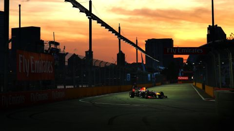 The German is seeking to win F1's first and only night race for the third year in a row.
