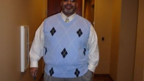 Trotter had a goal of losing 8 to 10 pounds per month. He lost about 25 pounds by March 2010. Here, he was a little over 350 pounds.