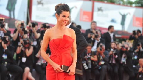 """We know you don't need another reason to love Sandra Bullock. The acclaimed actress has earned the title of """"America's sweetheart"""" by being charming and self-deprecating, grounded but also a talented Hollywood star."""