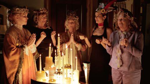 """Divine Secrets of the Ya-Ya Sisterhood"" brought Ellen Burstyn, Maggie Smith, Fionnula Flanagan, Bullock and Shirley Knight together in 2002."