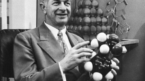 American chemist Linus Pauling won the Nobel Peace Prize in 1962 for his campaigning for a nuclear test ban treaty. Pauling also won the Nobel Prize for chemistry in 1954.