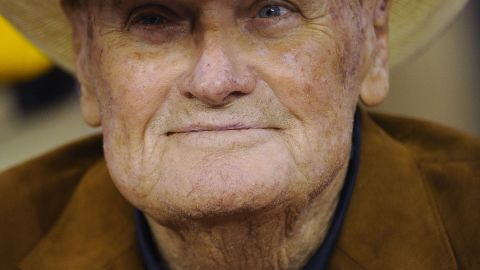 """<a href=""""http://www.cnn.com/2013/10/19/us/bum-phillips-dead/index.html"""">""""Bum"""" Phillips</a>, the former NFL football coach who led the Houston Oilers to glory and struggled with the New Orleans Saints, died October 18 at age 90."""