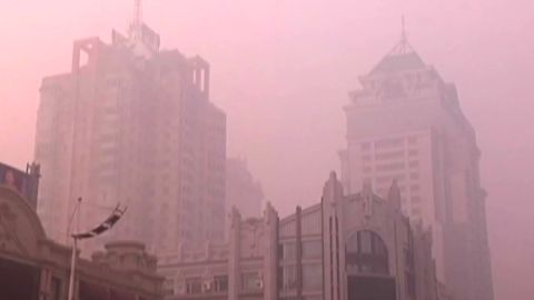 mckenzie.china.toxic.smog_00010130.jpg