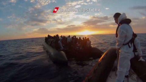italy migrant police pleitgen pkg_00011608.jpg