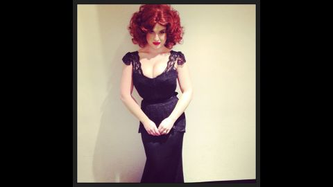 """Kelly Osbourne surely drove onlookers """"Mad"""" when she dressed up as screen siren Christina Hendricks for an E! Halloween special."""