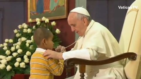 newday must see moment boy interrupts pope_00002723.jpg