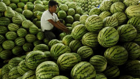 """<strong>Watermelon</strong><br />Water content: 91.5%<br /><br />It's fairly obvious that watermelon is full of, well, water, but this juicy melon is also among the richest sources of lycopene, a cancer-fighting antioxidant found in red fruits and vegetables. In fact, watermelon contains more lycopene than raw tomatoes: about 12 milligrams per wedge, versus 3 milligrams per medium tomato.<br /> <br />Although this melon is plenty hydrating on its own, Gans loves to mix it with water in the summertime. """"Keep a water pitcher in the fridge with watermelon cubes in the bottom,"""" she says. """"It's really refreshing and a great incentive to drink more water overall.""""<br />"""