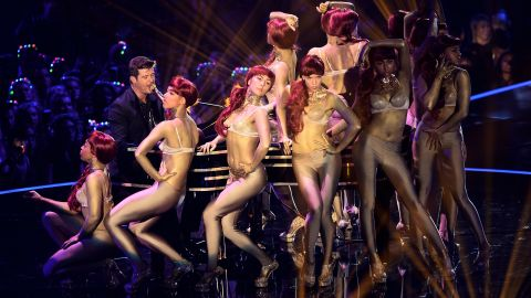 Robin Thicke performs in Amsterdam.