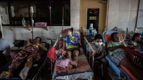Typhoon victims are treated in the lobby of a Tacloban hospital on November 15.