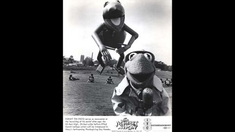 """<strong>Kermit the Frog (1977):</strong> A """"Muppet Show"""" ad promotes the launch of the Kermit balloon in 1977."""