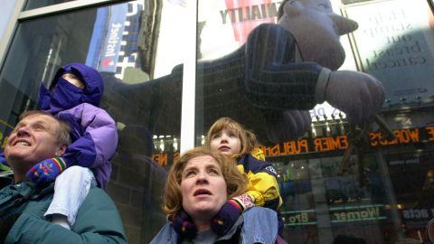 """<strong>Jeeves (2000):</strong> The Ask Jeeves balloon casts a reflection in a Times Square window. Jeeves was the mascot for the search engine Ask.com, then known as """"Ask Jeeves."""""""