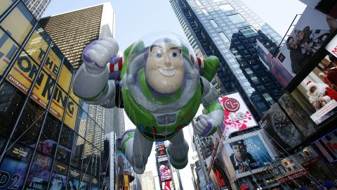 """<strong>Buzz Lightyear (2008):</strong> The """"Toy Story"""" star floats down Broadway in 2008."""