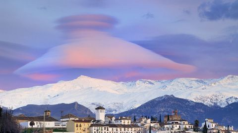 Cap clouds over the Sierra Nevada mountains
