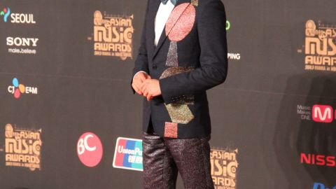 """Hong Kong superstar Aaron Kwok arrives at the red carpet at MAMA. The singer, actor and dancer won an award for """"Best Asian Artist"""" and performed a duet with Stevie Wonder and Sistar's Hyolyn."""