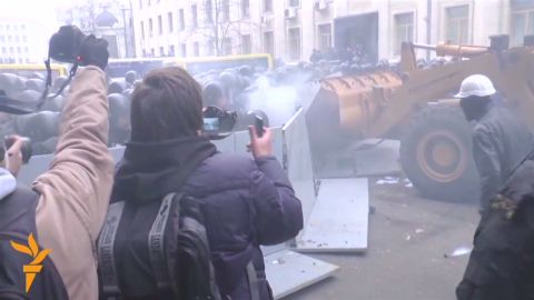 pkg mann ukraine eu protest sunday_00001106.jpg