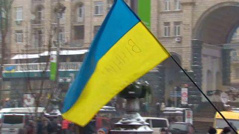 dnt nick paton walsh ukraine kiev protests_00020926.jpg