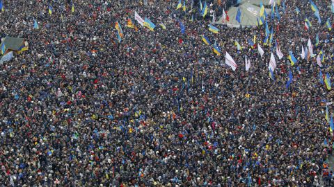 An estimated 200,000 pro-EU activists gather during a rally in Independence Square on December 15.