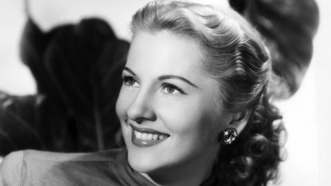 "Oscar-winning actress <a href=""http://www.cnn.com/2013/12/16/showbiz/joan-fontaine-obit/"">Joan Fontaine </a>died December 15, her longtime friend Noel Beutel said. She was 96."